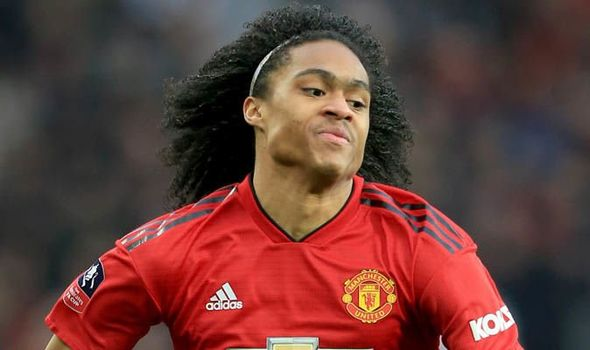 Man Utd face Tahith Chong battle as Juventus 'eye teenager on free transfer' - Bóng Đá