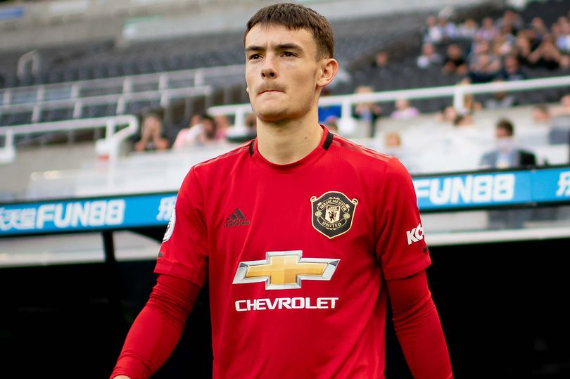 Dylan Levitt signs new contract with Manchester United - Bóng Đá