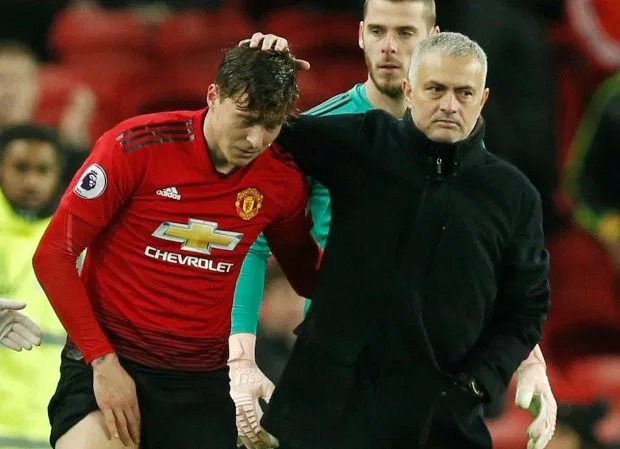Manchester United: Fans blast Victor Lindelof after his comments on Jose Mourinho - Bóng Đá
