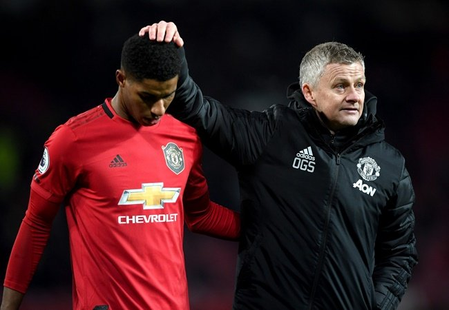 Manchester United boss Ole Gunnar Solskjaer 'warns his players he will be axed if they lose to both Tottenham and Manchester City'  - Bóng Đá