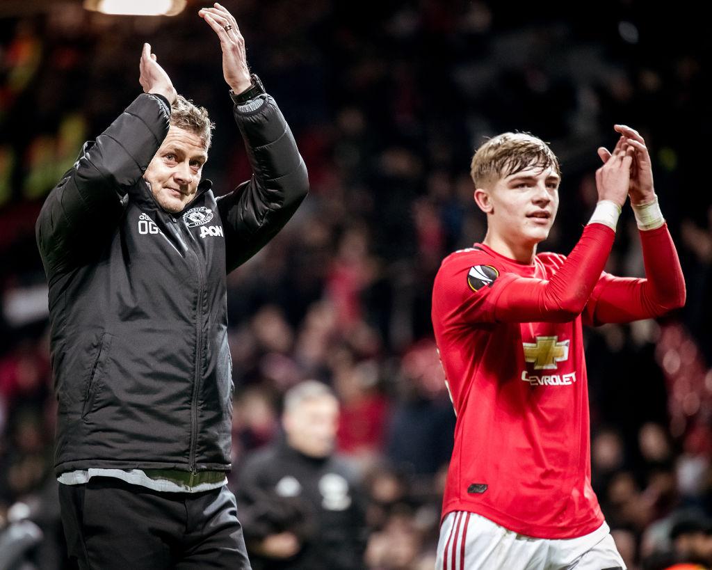 Manchester United fans react to Brandon Williams' performance - Bóng Đá