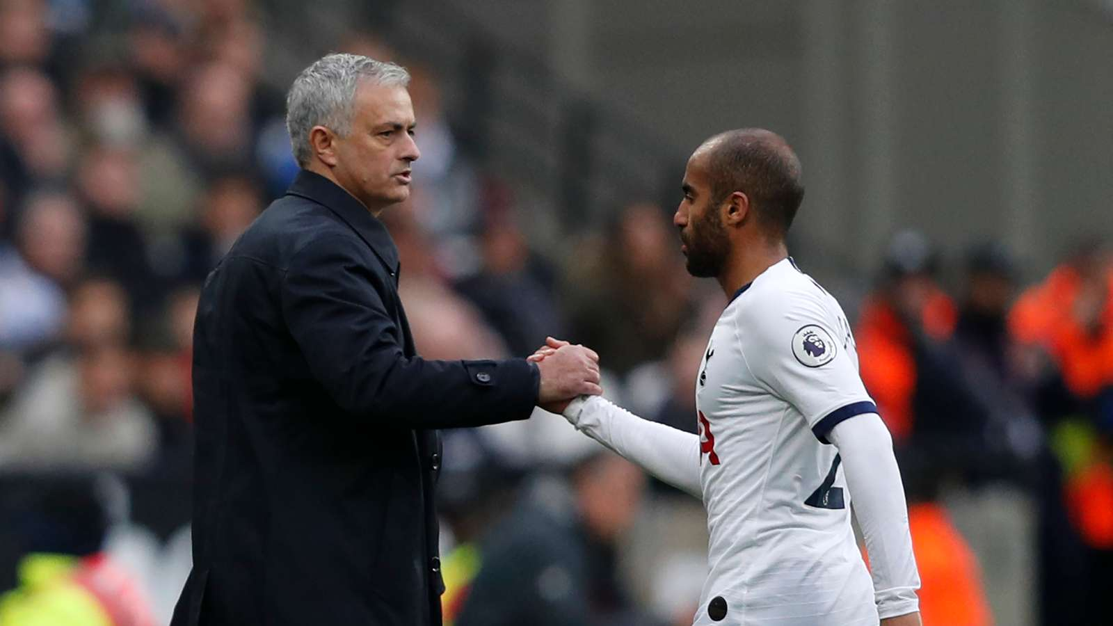 Tottenham can win a trophy now with Mourinho - Moura - Bóng Đá