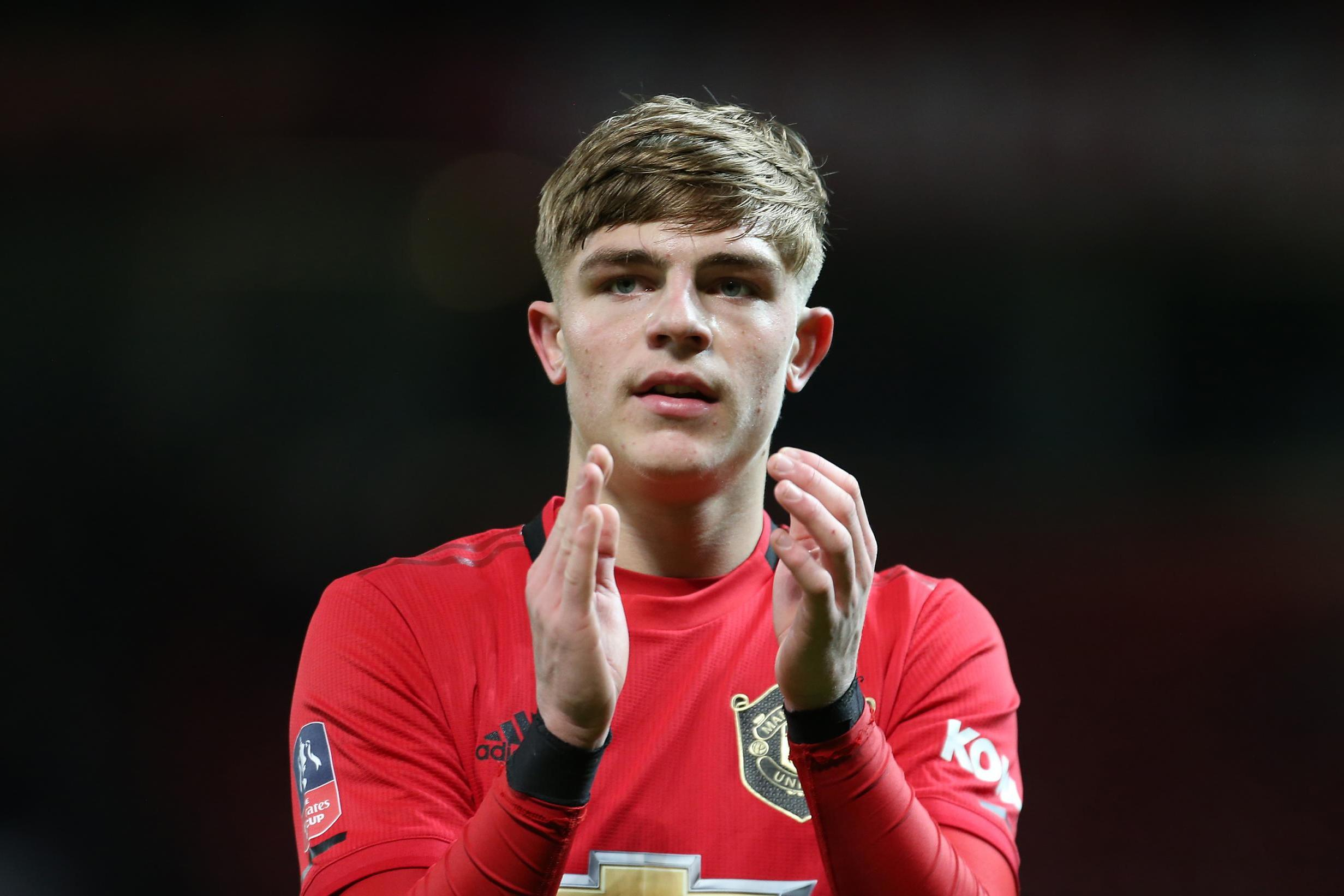Brandon Williams reminds Manchester United boss Solskjaer of Gary Neville - Bóng Đá