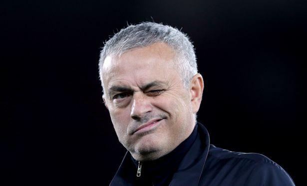 Jose Mourinho pokes fun at Man Utd's Bruno Fernandes transfer saga - Bóng Đá