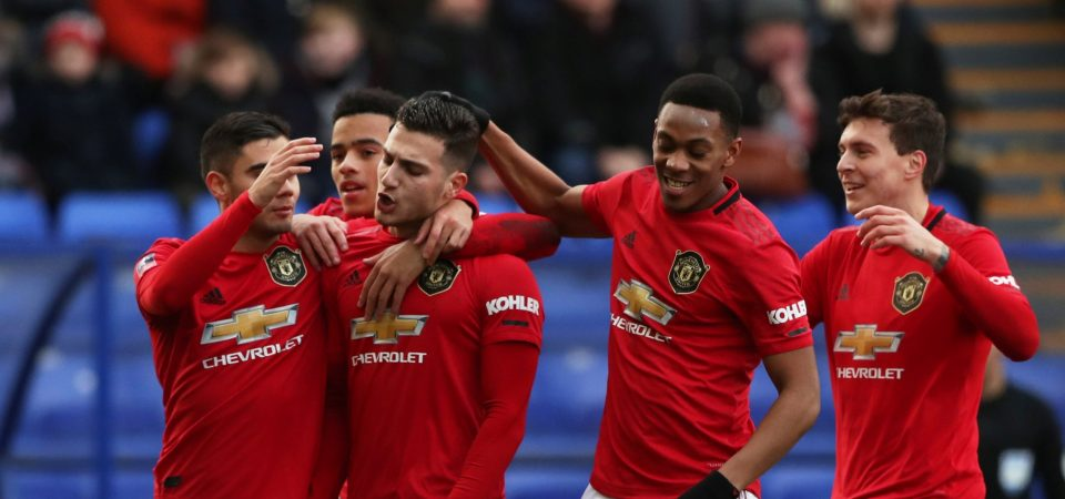Man Utd fans swoon for Diogo Dalot after right wing-back display - Bóng Đá