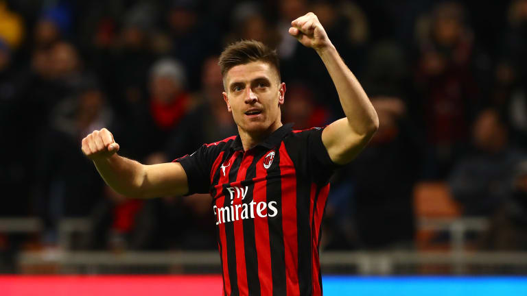 Chelsea 'will be offered Tottenham target Krzysztof Piatek in striker search if they sell Olivier Giroud to Inter Milan - Bóng Đá