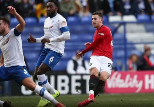 Manchester United: Diogo Dalot message on Twitter to supporters following FA Cup goal receives plaudits - Bóng Đá