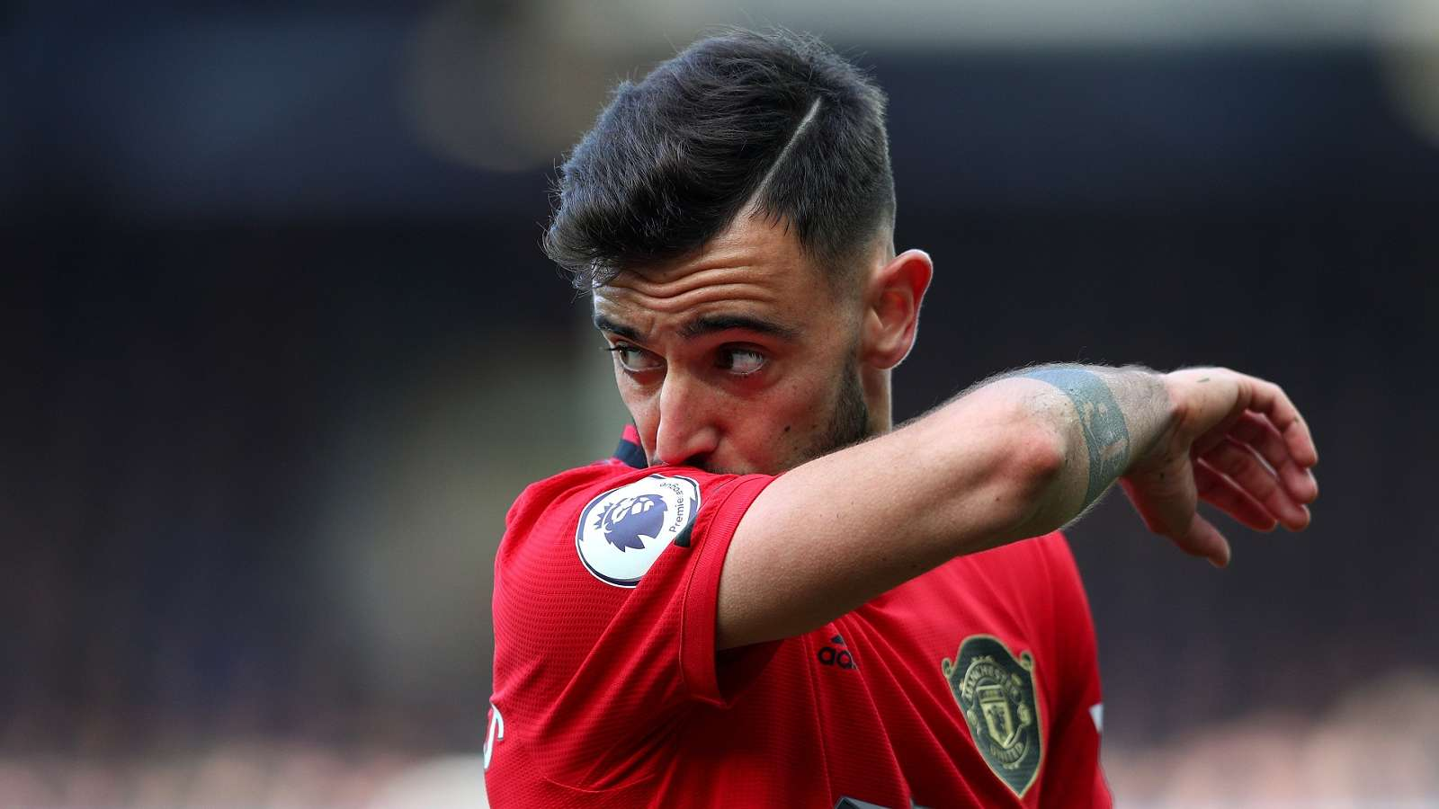 'I'm the new Veron!' - Man Utd star Bruno Fernandes shows off fresh goatee style - Bóng Đá