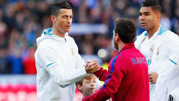 Rooney: Cristiano is ruthless in the box, but Messi will torture you before he kills you - Bóng Đá