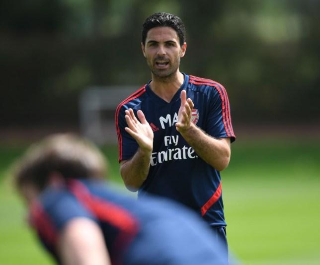 Charlie Nicholas đánh giá cơ hội vào top 4 của Arsenal - Bóng Đá