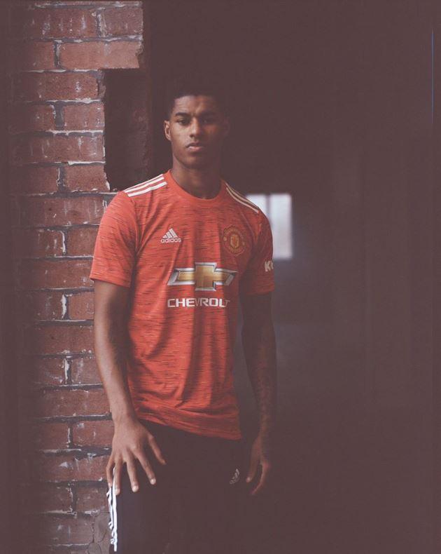 Ảnh Man Utd ra mắt áo đấu mới - Bóng Đá