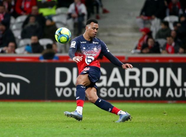 Manchester United could sign Lille defender Gabriel Magalhaes in 'matter of days' - Bóng Đá