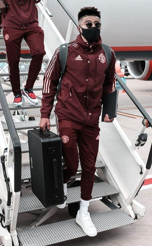 Man Utd đáp sân bay - Bóng Đá