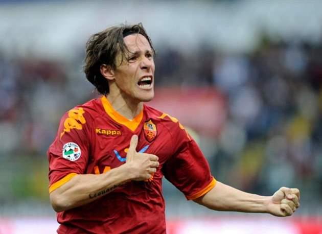 10 cầu thủ đa năng nhất thế kỷ 21: Zanetti sau một người - Bóng Đá