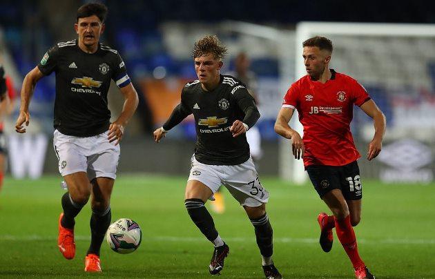 Quả penalty bước ngoặt, Man Utd thắng giòn giã Luton - Bóng Đá
