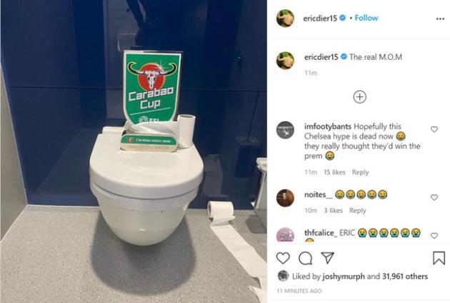 Eric Dier đi toilet  - Bóng Đá