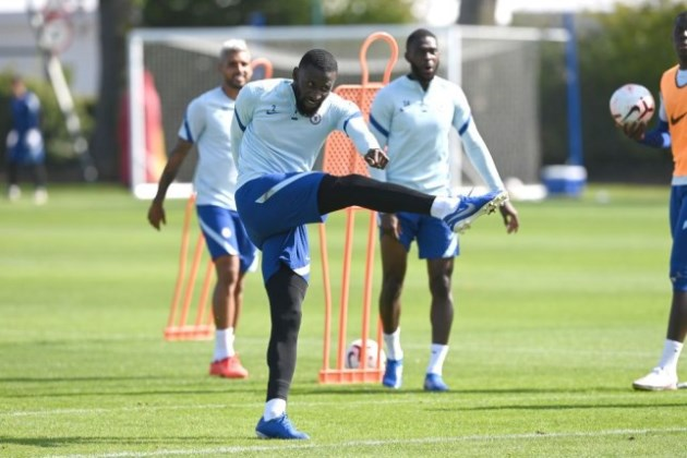 Jimmy Floyd Hasselbaink warns Frank Lampard against selling Chelsea star Antonio Rudiger  - Bóng Đá