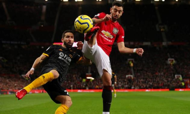 Bruno Fernandes snaps at Man Utd new boy Alex Telles in training footage - Bóng Đá