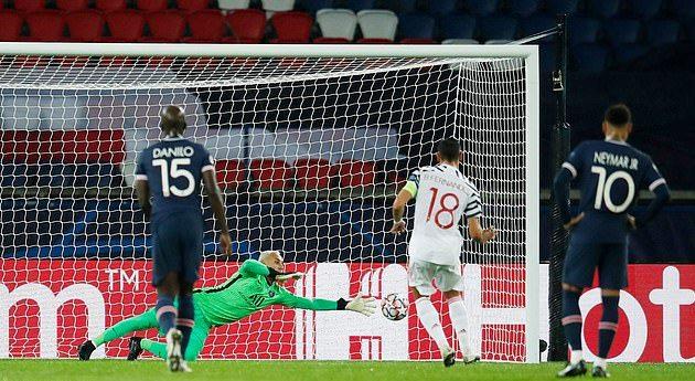 That could easily be Cantona or Ronaldo': Darren Fletcher hails Manchester United star Bruno Fernandes - Bóng Đá