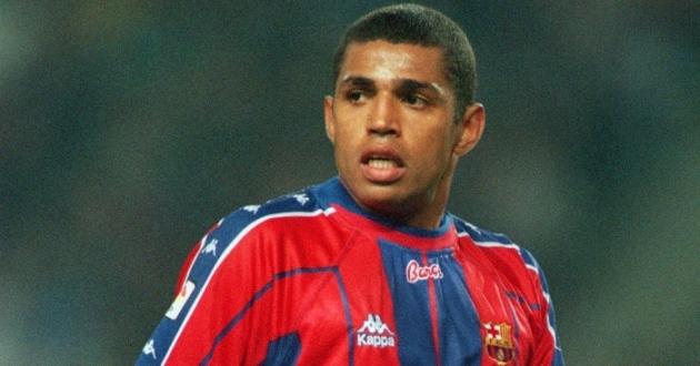 Xếp hạng các cầu thủ mặc áo số 9 ở Barcelona 25 năm qua - Bóng Đá