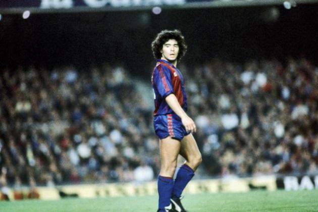 Maradona trong màu áo Barcelona.