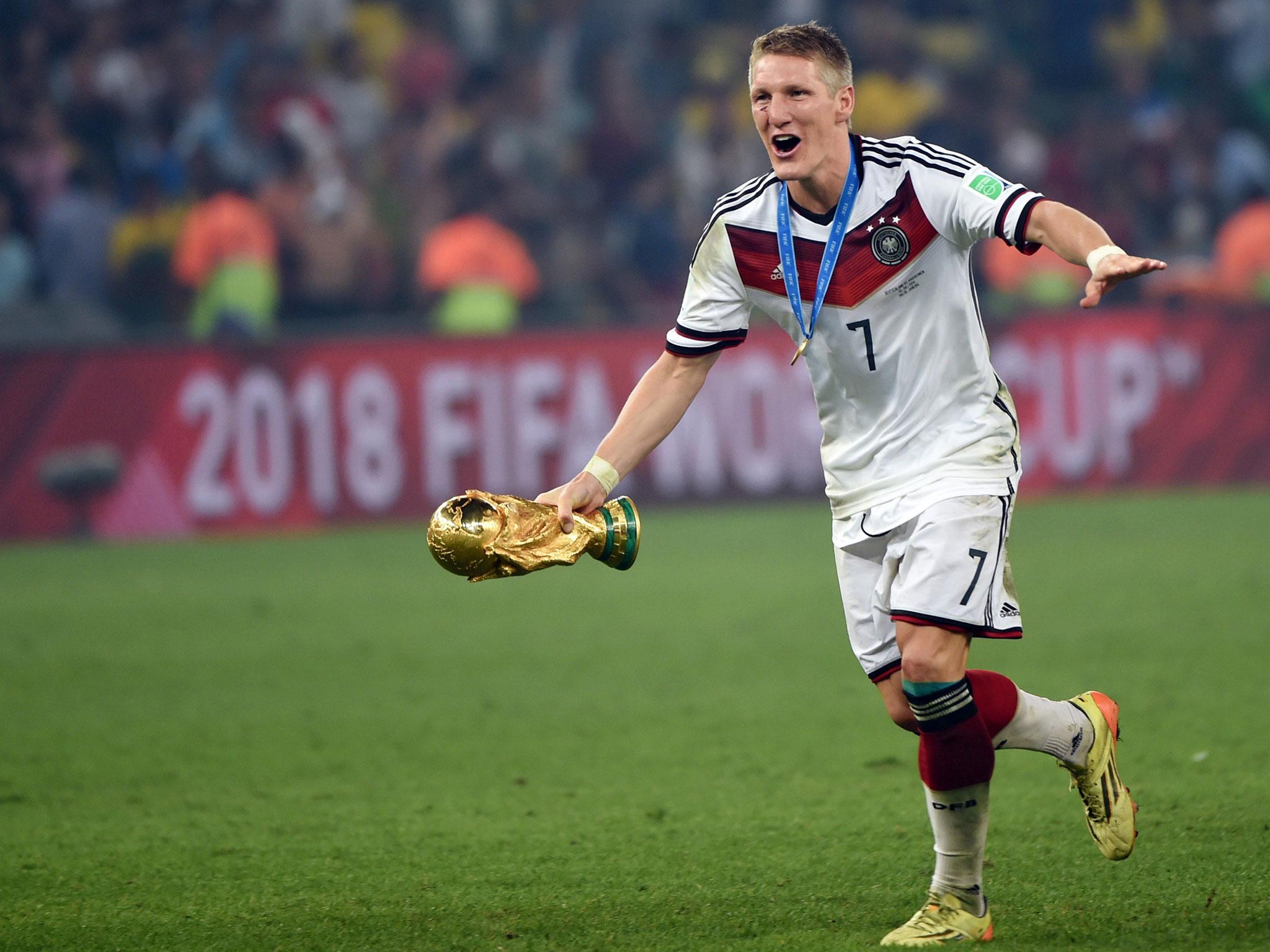 CHÍNH THỨC: Schweinsteiger chia tay Man United - Bóng Đá