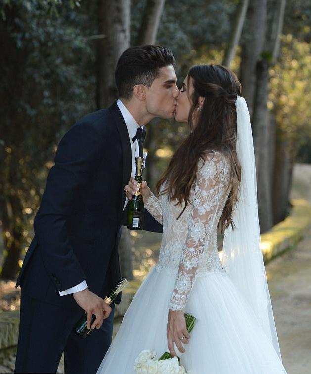 Dàn sao Barcelona hội tụ trong lễ cưới Marc Bartra - Bóng Đá