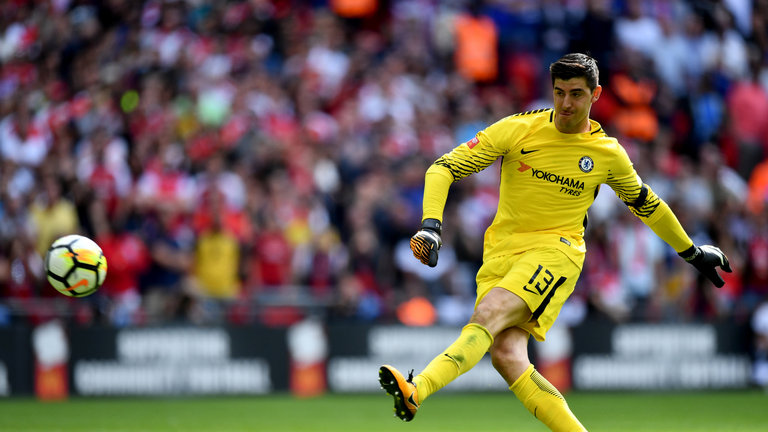 http://media.bongda.com.vn/files/thanhdat.to/2017/08/07/skysports-thibaut-courtois-chelsea_4067669-0931.jpg