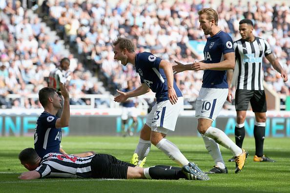 Newcastle 0-2 Tottenham: Chiếc thẻ đỏ tai hại - Bóng Đá