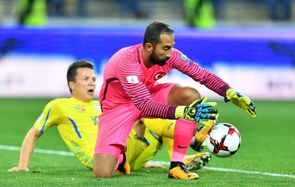 Ukraine 2-0 Thổ Nhĩ Kỳ: Tân binh Dortmund rực sáng - Bóng Đá