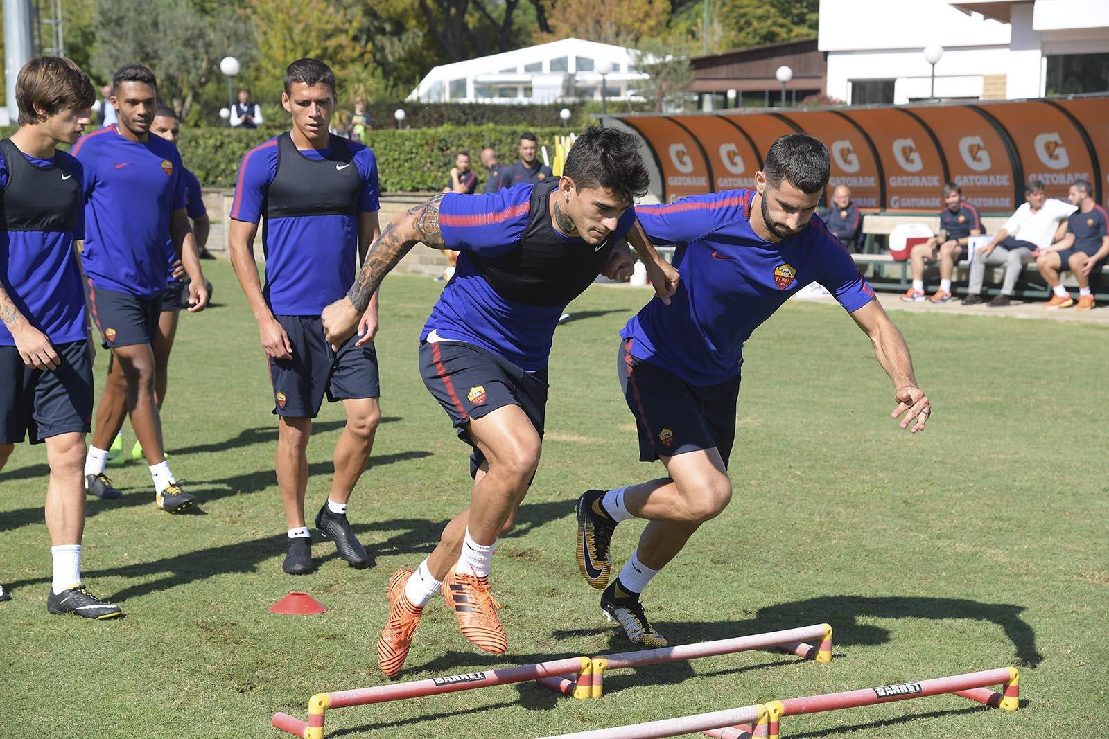 Roma tập luyện - Bóng Đá
