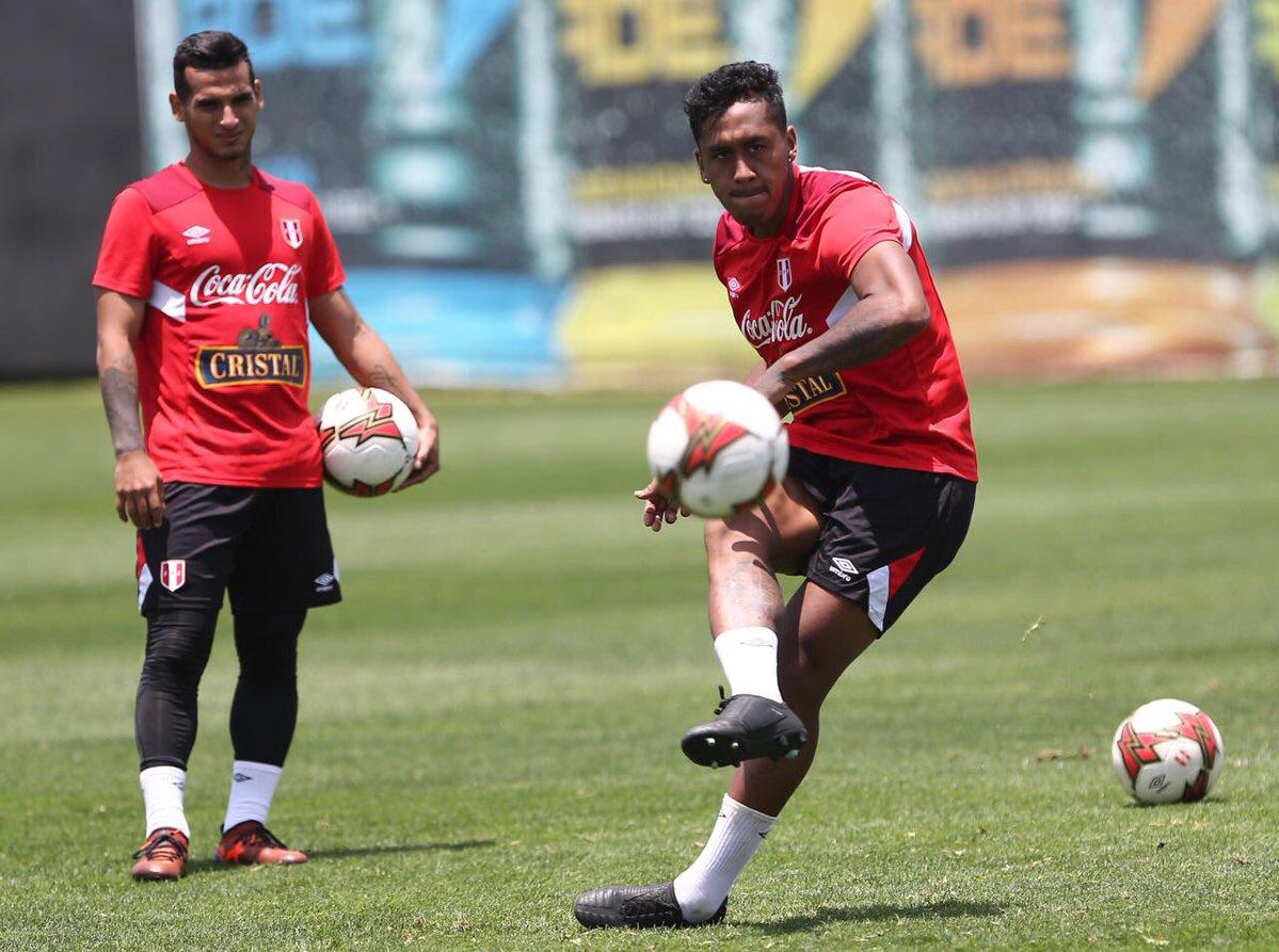 'Đội bóng cuối cùng' của Nam Mỹ làm gì trước thời khắc lịch sử? - Bóng Đá