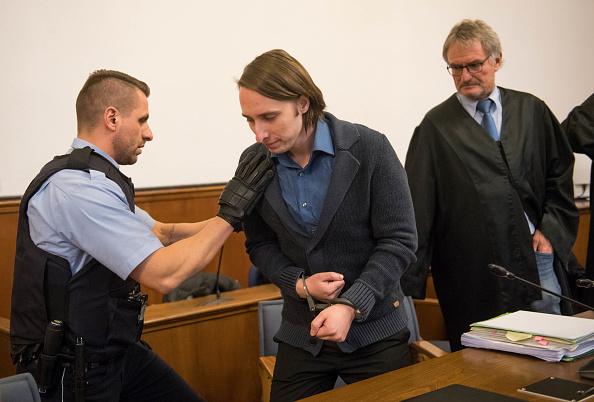 9 tháng sau ác mộng, Marc Bartra đối diện trực tiếp kẻ đánh bom - Bóng Đá