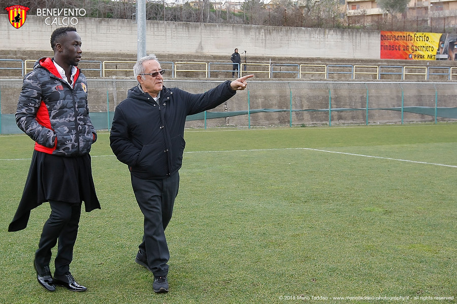Sagna tiết lộ lý do gia nhập đội 'bét bảng' Serie A - Bóng Đá