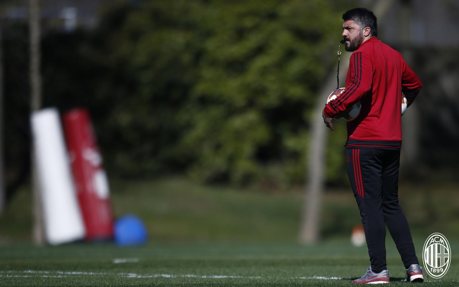 Milan 'liệt cánh' phải trước màn tái đấu Arsenal - Bóng Đá