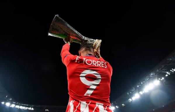 Toàn cảnh lễ đăng quang của Atletico:  - Bóng Đá