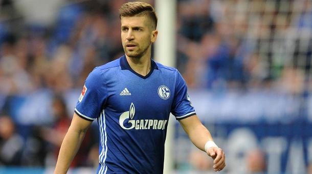 CHÍNH THỨC: Schalke 'trói' cựu trung vệ Man City đến năm 2022 - Bóng Đá