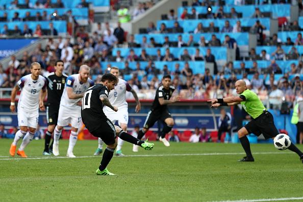 5 điểm nhấn Argentina 1-1 Iceland: Ronaldo 3 - (-1) Messi; Thấp thoáng màu thiên thanh - Bóng Đá
