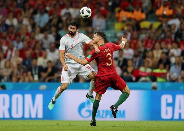5 tình huống gây tranh cãi của công nghệ VAR tại World Cup 2018 - Bóng Đá