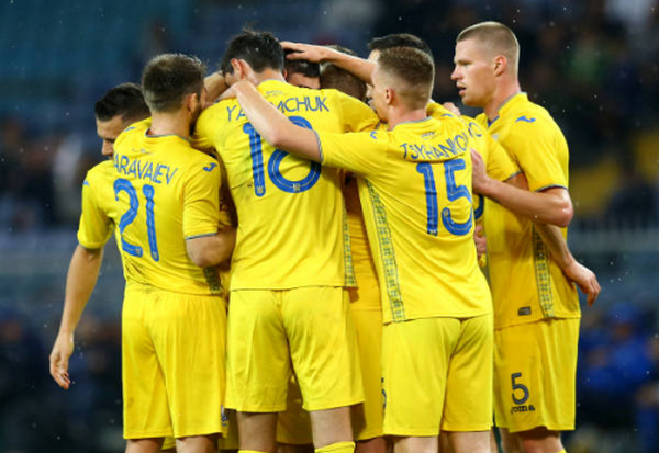 Cặp đôi siêu tiền vệ xuất trận, chiến thắng vẫn ngoảnh mặt với Italia - Bóng Đá