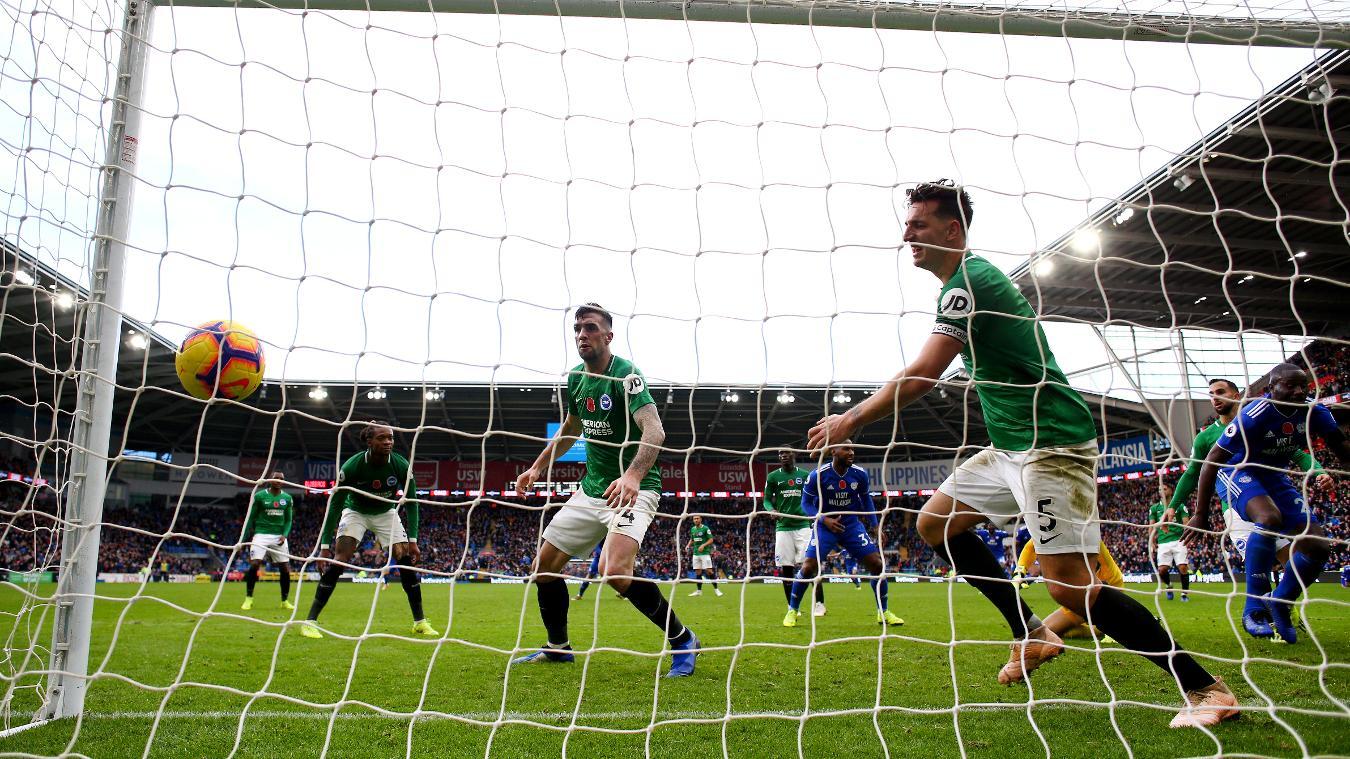 Đánh bại 'ác mộng' của Man Utd, Cardiff thoát khỏi nhóm nguy hiểm - Bóng Đá