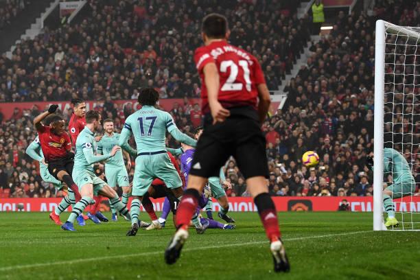 TRỰC TIẾP Man United 1-1 Arsenal: Martial đưa trận đấu về vạch xuất phát (H1) - Bóng Đá
