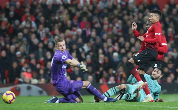 TRỰC TIẾP Man United 2-2 Arsenal: Hai bàn liên tiếp (H2) - Bóng Đá