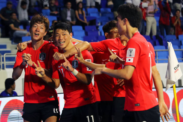 Vắng Son Heung-Min, Hàn Quốc suýt mất điểm trước Philippines - Bóng Đá