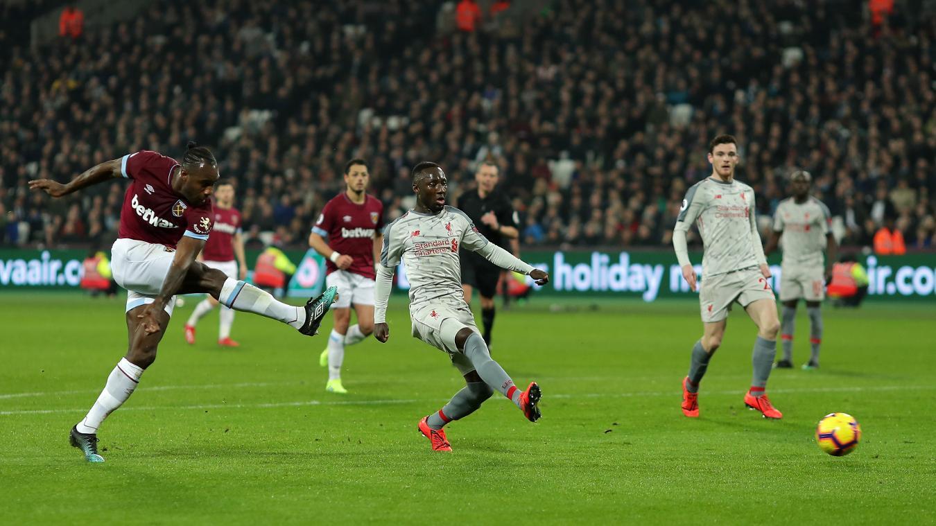 Tiếp tục mất điểm, Liverpool bắt đầu cảm thấy hơi nóng từ Man City - Bóng Đá