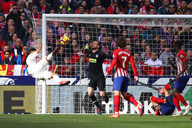 Công nghệ VAR trợ giúp, Real nhấn chìm Atletico ngay tại sân khách - Bóng Đá