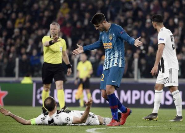 Trở về mái nhà xưa, Morata hành động 'không thể tin nổi' với đàn anh - Bóng Đá