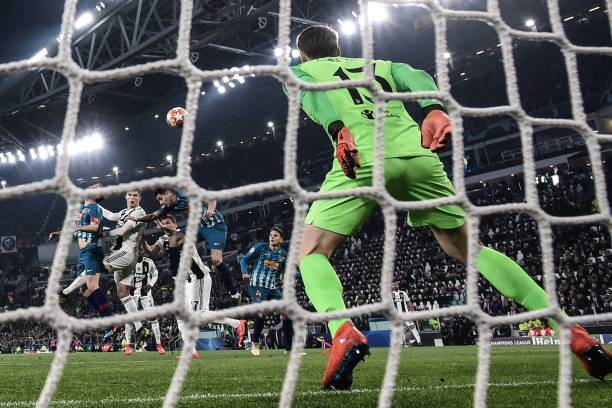 Đốt cháy Thành Turin, Ronaldo một tay đưa Juve vào tứ kết - Bóng Đá