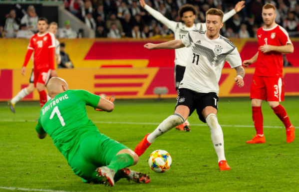 Cầu cứu Reus, tuyển Đức thoát hiểm thành công trước Serbia - Bóng Đá