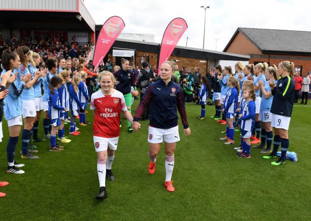 Nữ Arsenal vô địch - Bóng Đá